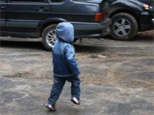 Молодой водитель сбил годовалого мальчика во дворе в Московском районе
