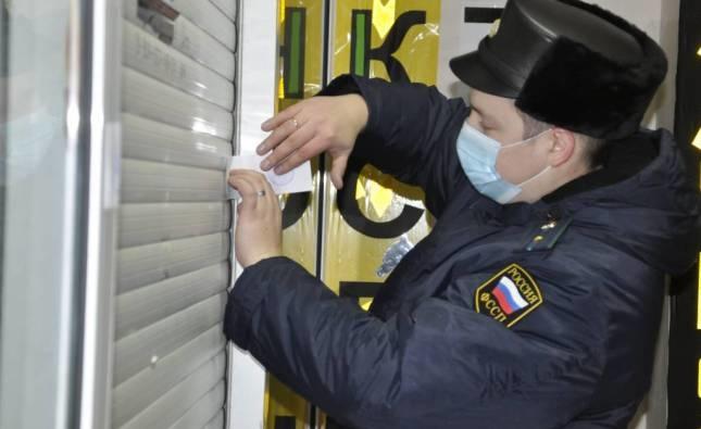 Кафе в центре Нижнего Новгорода закрыли из-за сотрудников без масок - фото 1