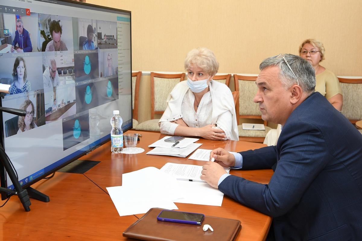 Законопроект о запрете продажи энергетиков подросткам разрабатывают нижегородские депутаты - фото 1