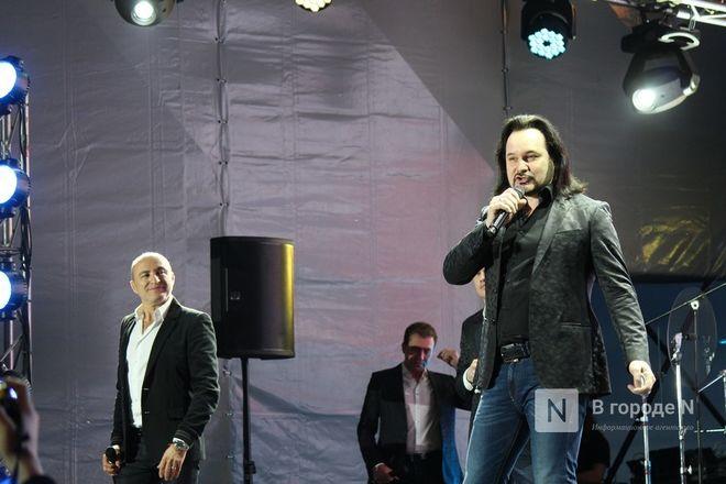 «Столица закатов» без солнца: как прошел первый день фестиваля музыки и фейерверков в Нижнем Новгороде - фото 65