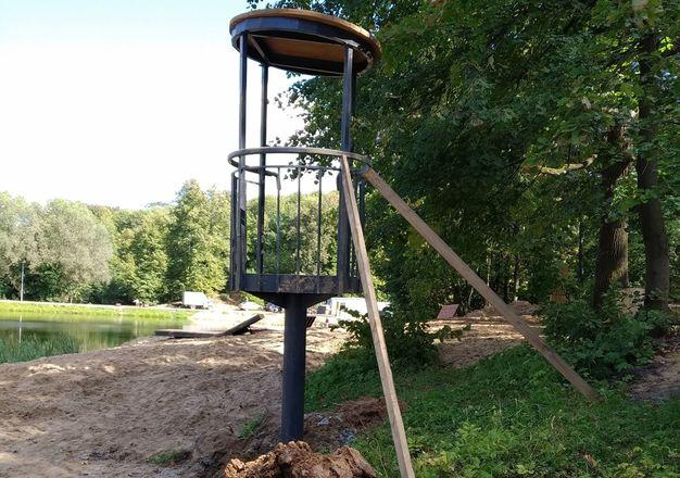 Спасательную вышку установили на Первом озере Щелоковского хутора - фото 1