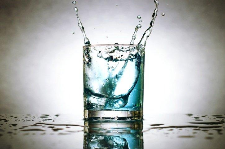 Правда ли, что запивать еду водой вредно для здоровья - фото 2