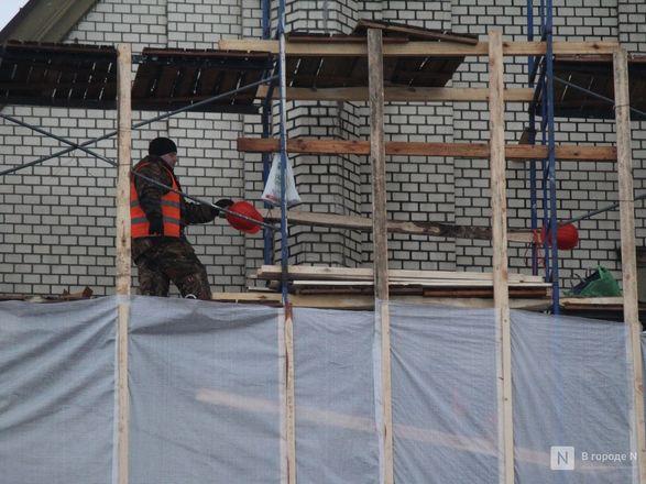 Инъекция для стен: как идет реставрация фасада нижегородской фабрики «Маяк» - фото 55