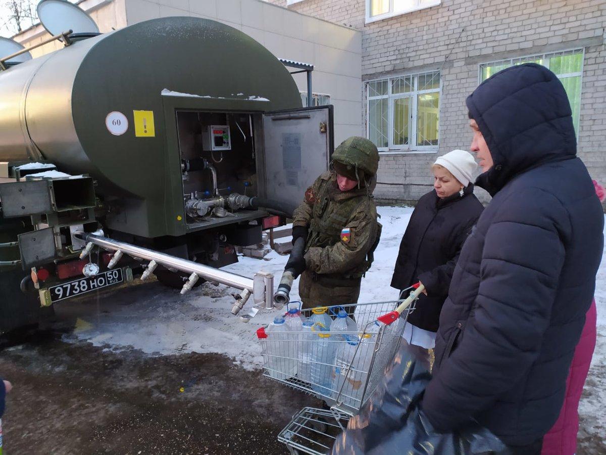 Дзержинские военные помогли автозаводцам с водой - фото 1