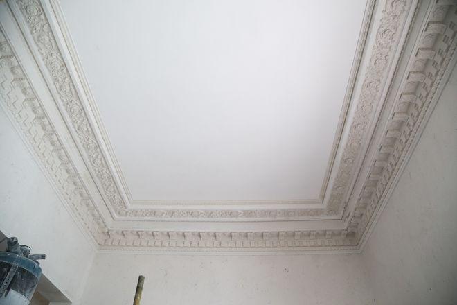 Реставрация фасада Литературного музея близка к завершению - фото 1