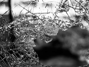 Пьяный водитель ВАЗ улетел в кювет в Борском районе: один человек погиб, два пострадали