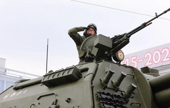 Более 90 единиц техники приняли участие в нижегородском параде Победы - фото 2