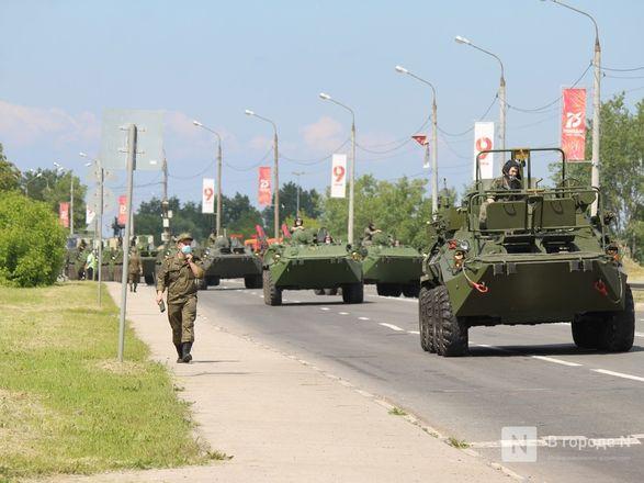 Танкисты в масках: первая репетиция парада Победы прошла в Нижнем Новгороде - фото 49