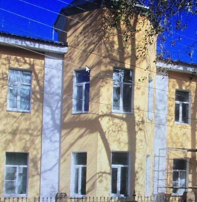 Владельцу здания в Холодном переулке грозит штраф за демонтаж лепнины - фото 1