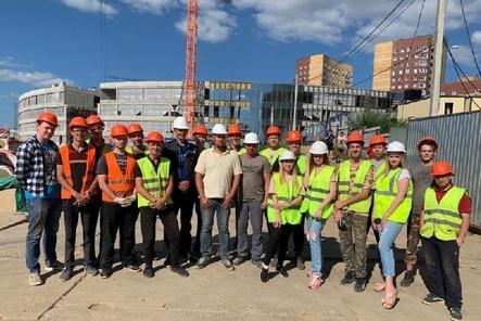 Студенты ННГАСУ приняли участие в строительстве корпусов АНО «Школа 800»