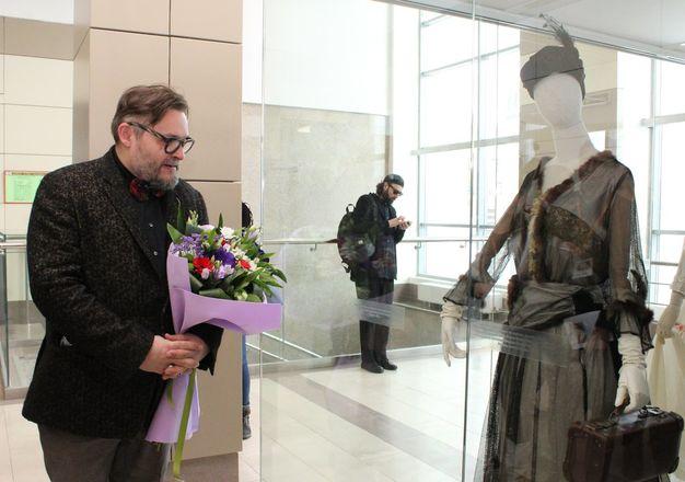 Историк моды Александр Васильев открыл уникальную выставку в Нижнем Новгороде - фото 25